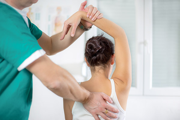 Why You Should Visit A Chiropractor For Neck And Back Pain